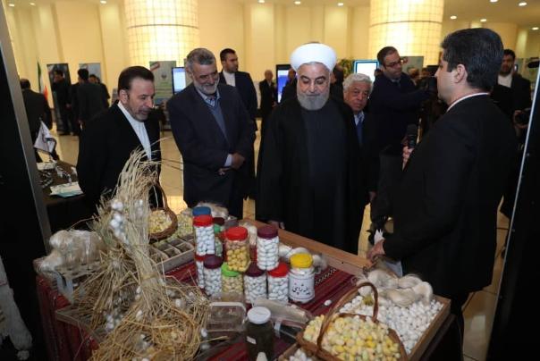 📸روحانی از نمایشگاه دستاوردهای فن آورانه و توانمندیهای وزارت جهاد کشاورزی بازدید کرد