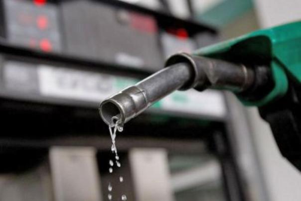 پس از سهمیهبندی مصرف بنزین چقدر کم شد؟