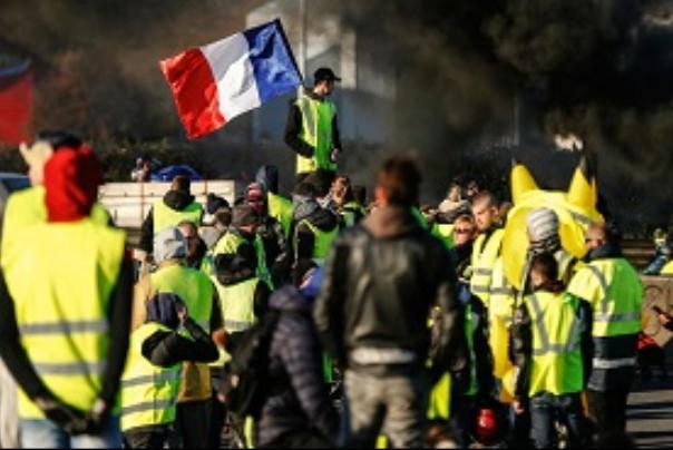 حضور گسترده پلیس فرانسه در خیابانهای پاریس