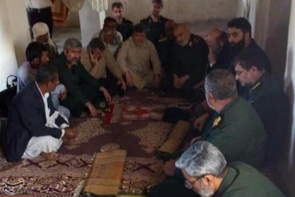 فرمانده کل سپاه پاسداران از مناطق سیل زده شهرستان بشاگرد بازدید کرد