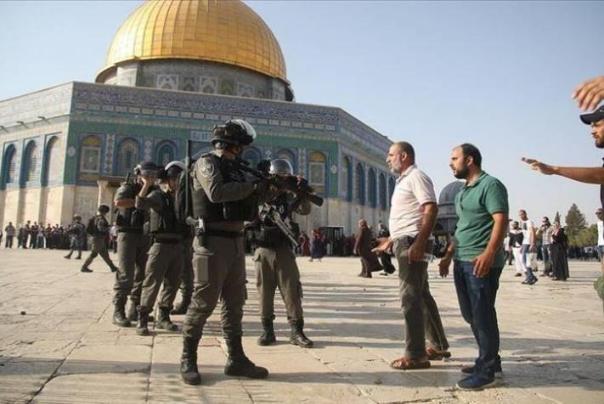 حمله%20نظامیان%20صهیونیست%20به%20نمازگزاران%20فلسطینی%20در%20مسجد%20الاقصی