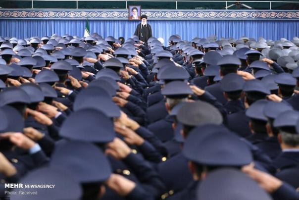 فرماندهان%20و%20کارکنان%20نیروی%20هوایی%20ارتش%20امروز%20با%20رهبر%20انقلاب%20دیدار%20میکنند