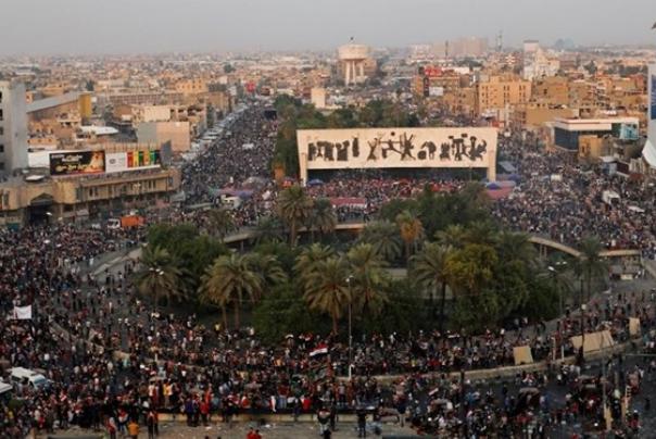 فراکسیون «صادقون»: سفارت آمریکا در پی گسترش فساد در میادین اعتراضات عراق است
