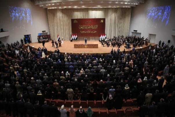 جلسه ویژه پارلمان عراق درباره کابینه به چهارشنبه موکول شد