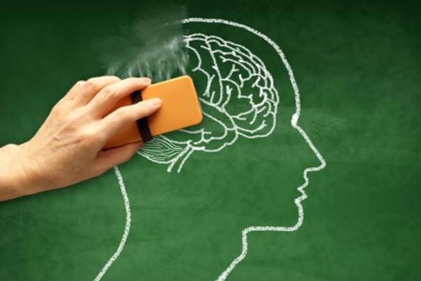 8 عاملی که باعث میشود خاطراتمان را فراموش کنیم