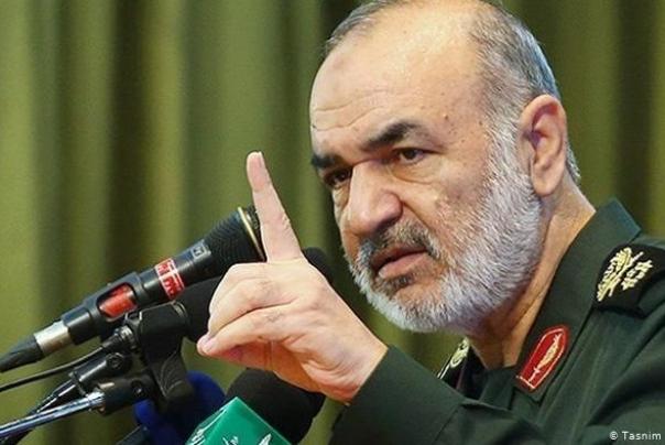 فرمانده سپاه پاسداران انقلاب اسلامی: دشمن به جنگ فکر نمیکند/ما برای غلبه بر دشمن کاملاً آماده ایم