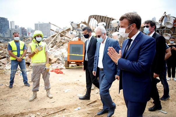 مکرون در ویرانههای بیروت به دنبال چیست؟