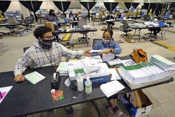 مشارکت 60 میلیون نفری در رای گیری زودهنگام انتخابات آمریکا