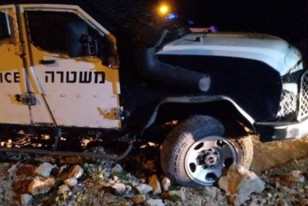 שלושה שוטרים נפצעו קל בפיזור חתונה ליד איתמר