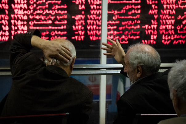 بازار سرمایه همچنان بر مدار منفی/ افت 6 هزار واحدی شاخص بورس