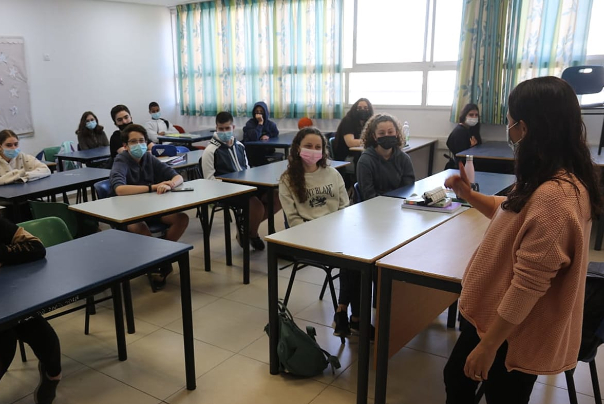 משרד הבריאות: יותר מ-800 אלף ישראלים נדבקו בקורונה מפרוץ המגיפה