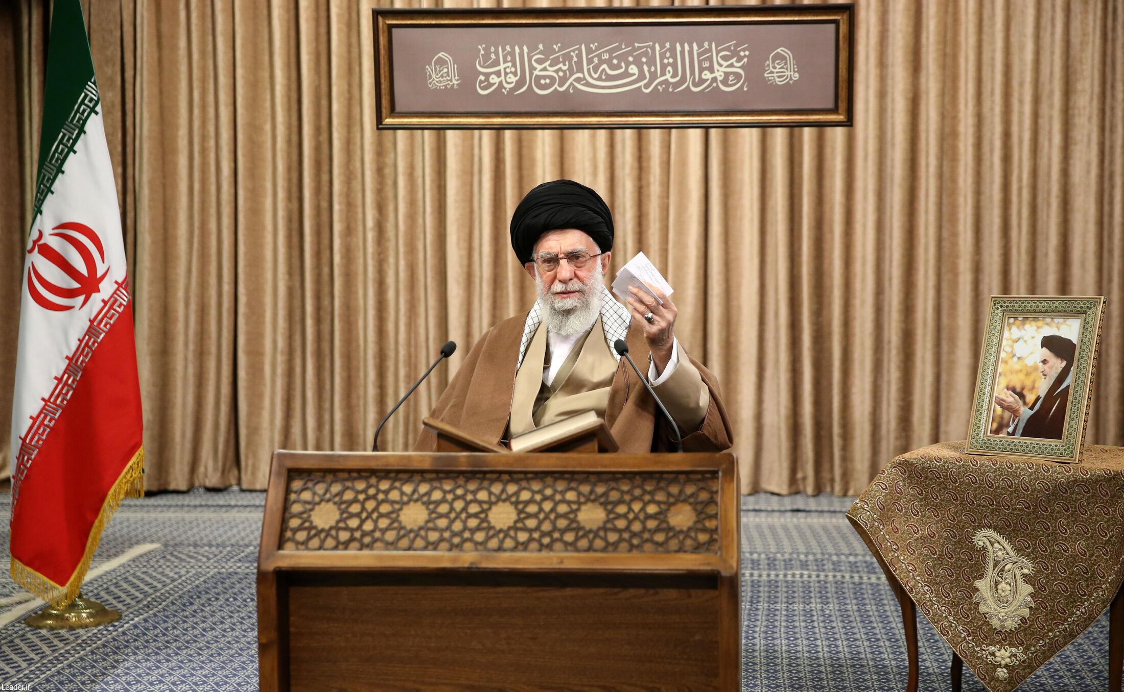 آیتالله خامنهای: مذاکره فرسایشی برای کشور ضرر دارد/ اول باید آمریکا تحریمها را بردارد