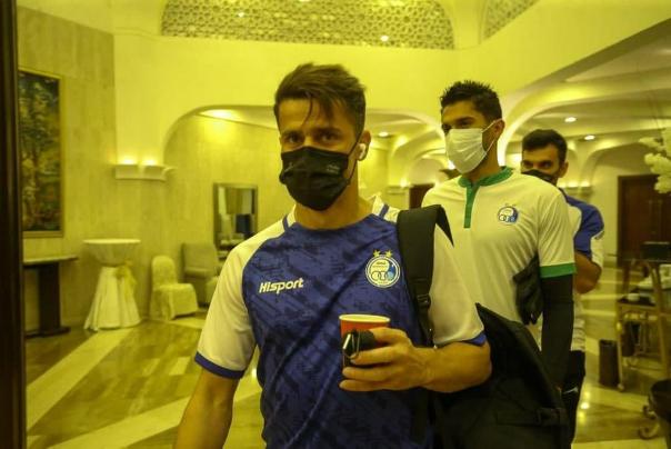 مخالفت با سفر استقلالی ها به مکه/آبی پوشان امشب به تهران بر می گردند