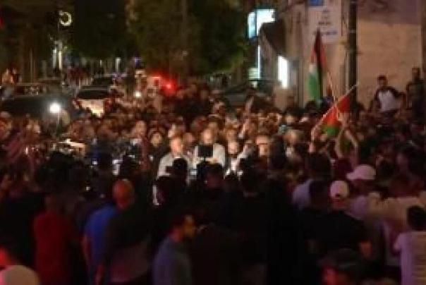 فلسطینیان در اعتراض به تعویق انتخابات تظاهرات کردند