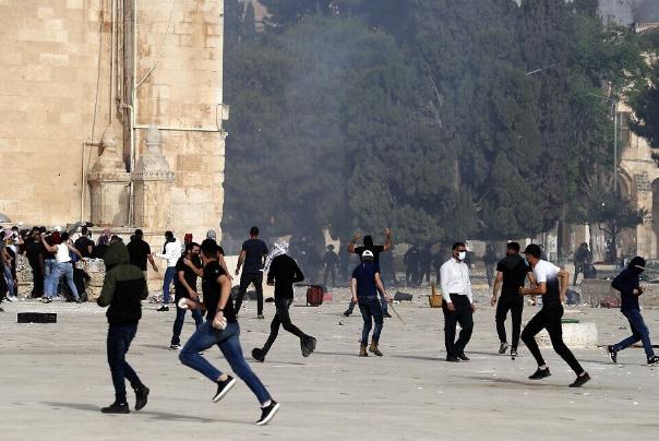 مسجدالاقصی%20در%20محاصره%20کامل%20نظامیان%20صهیونیست