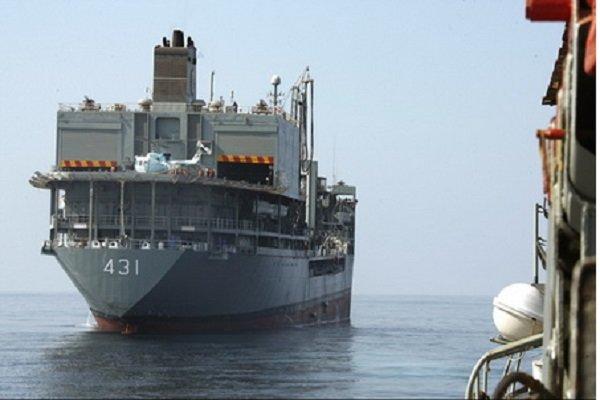 تلاش برای نجات شناور خارک بینتیجه ماند/ نجات کارکنان شناور