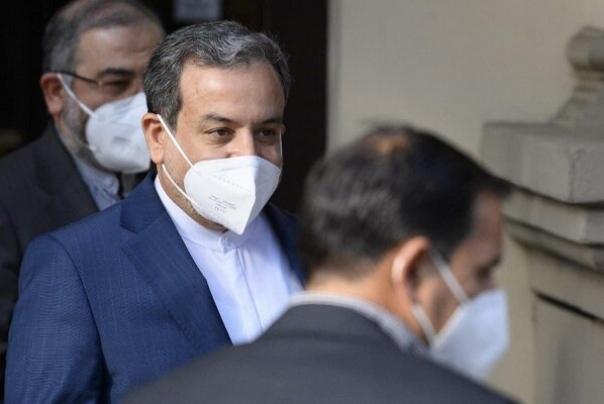 عراقچی: هنوز با نقطهای که یک توافق را جمع بندی کنیم، فاصله داریم