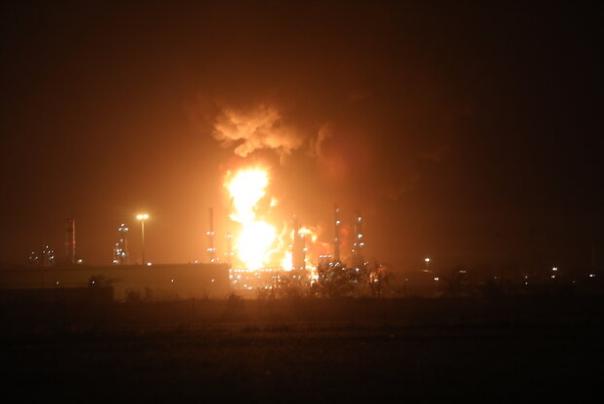 آتش در پالایشگاه تهران به 5 درصد رسید
