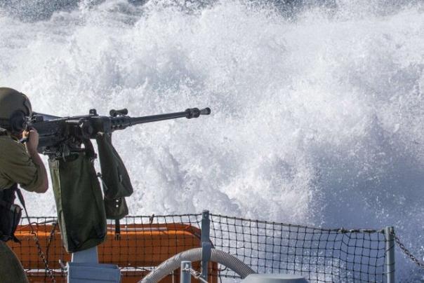 ספינות מלחמה ישראליות יורים על דייגים פלסטינים