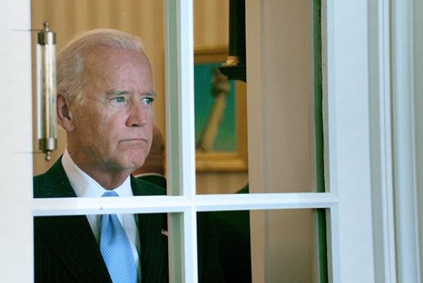 שיא הייאוש של ביידן וחרפת חיבתו של אגוז שרוף!